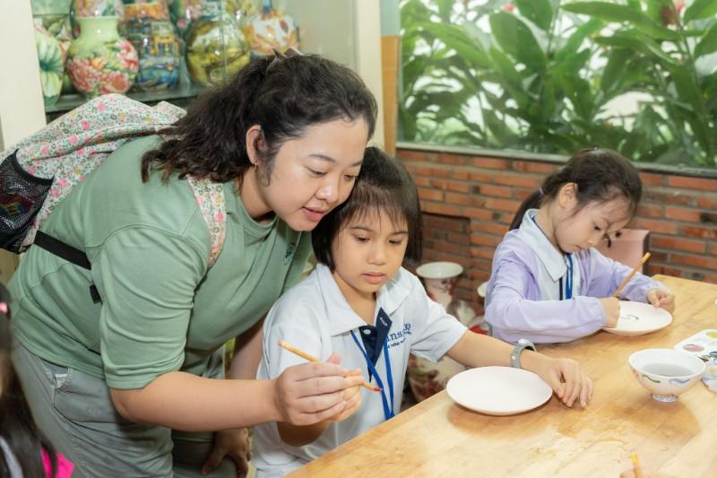 tham quan làng nghề gốm sứ Minh Long